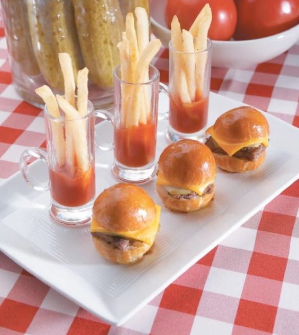 mini-burgers-and-fries