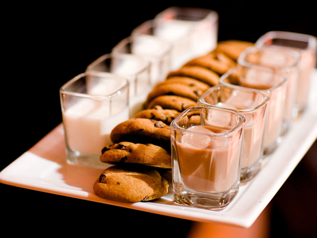 milk and cookies late night wedding food
