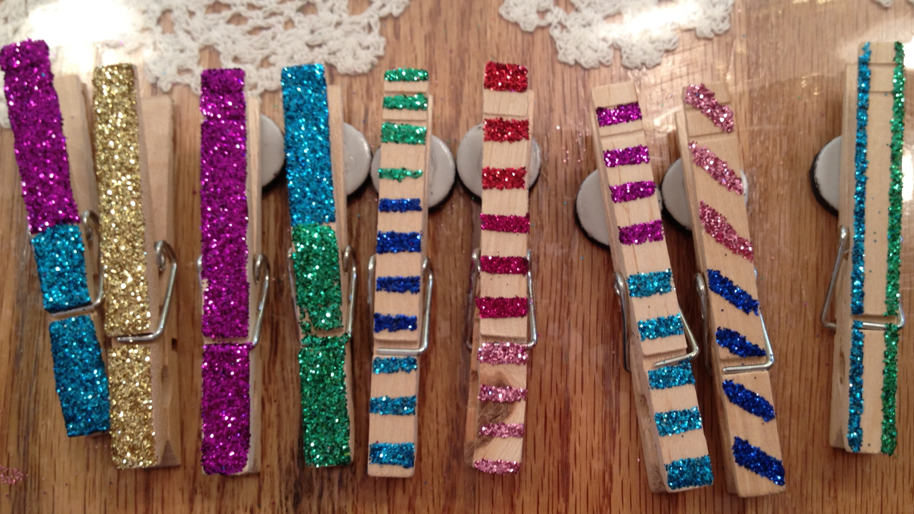 Kids party craft glittered clothespin magnets events to for Mini clothespin craft ideas
