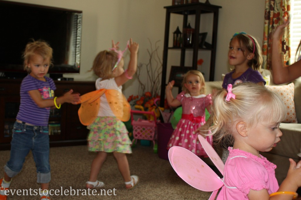 Butterfly Party Activities - Dance party with glow bracelets - eventstocelebrate.net