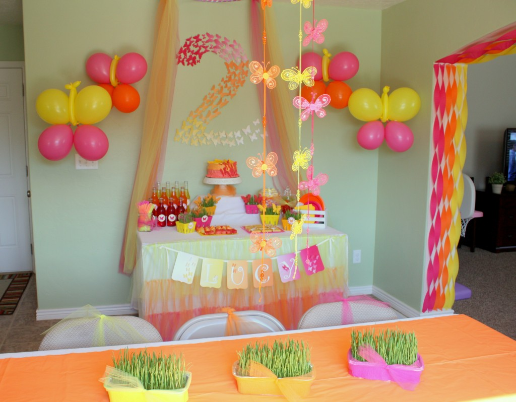 Butterfly themed birthday party decorations events to for Diy decoracion cumpleanos