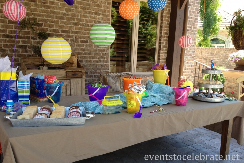Swim Party Decorations - Table display