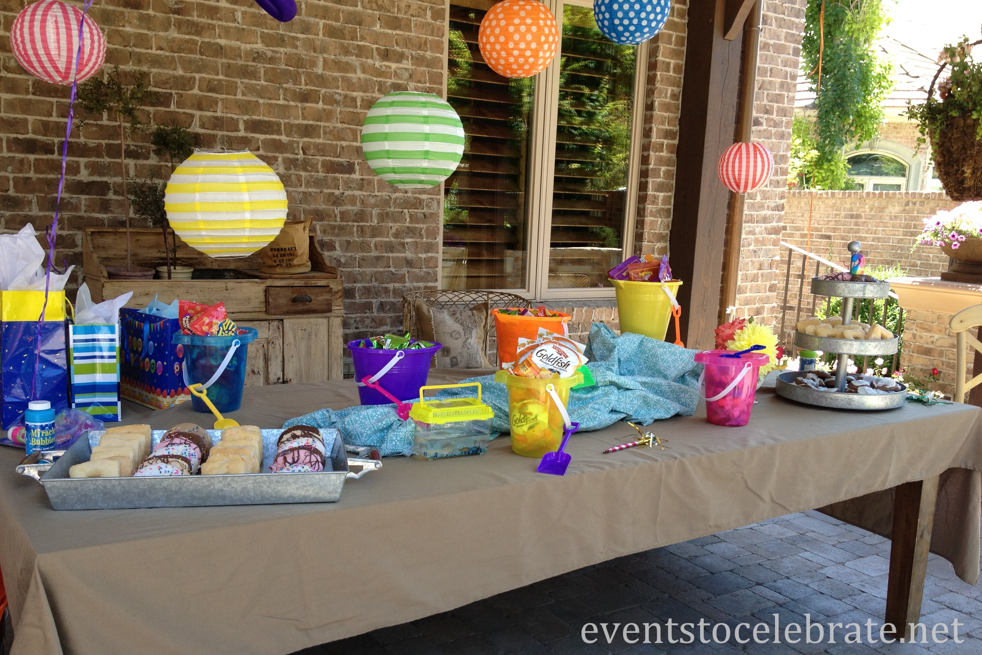Table decoration for party - Swim Party Decorations Table Beach Balls Archives Events To Celebrate