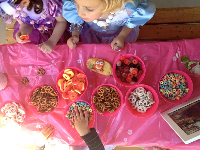 Princess Birthday Party Activities - Make Candy Necklace