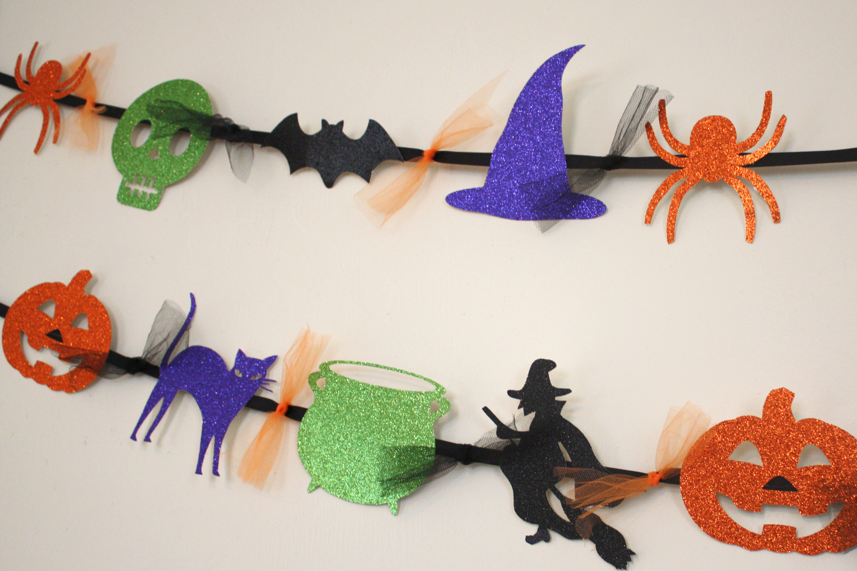 Halloween garland events to celebrate for Halloween girlande