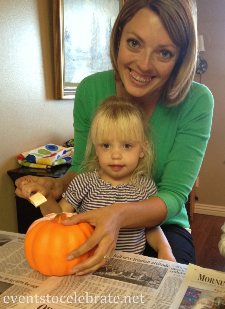 Inexpensive Halloween Craft - Dollar Store Glittered Pumpkins