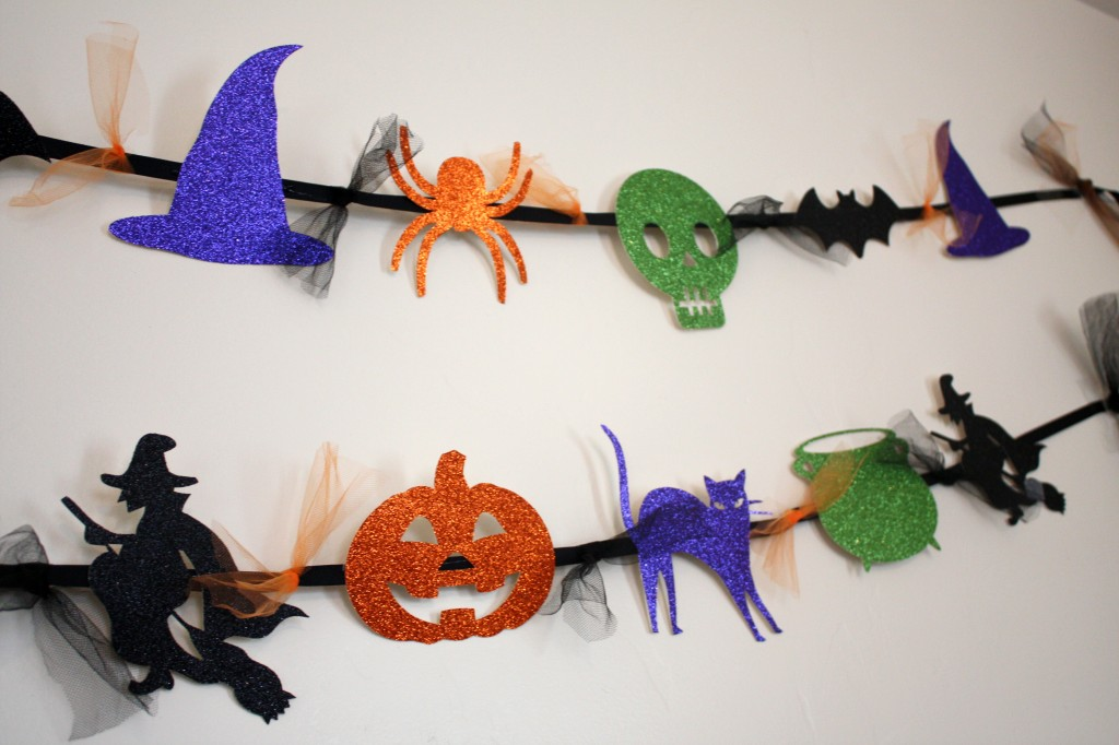 Simple Halloween Garland