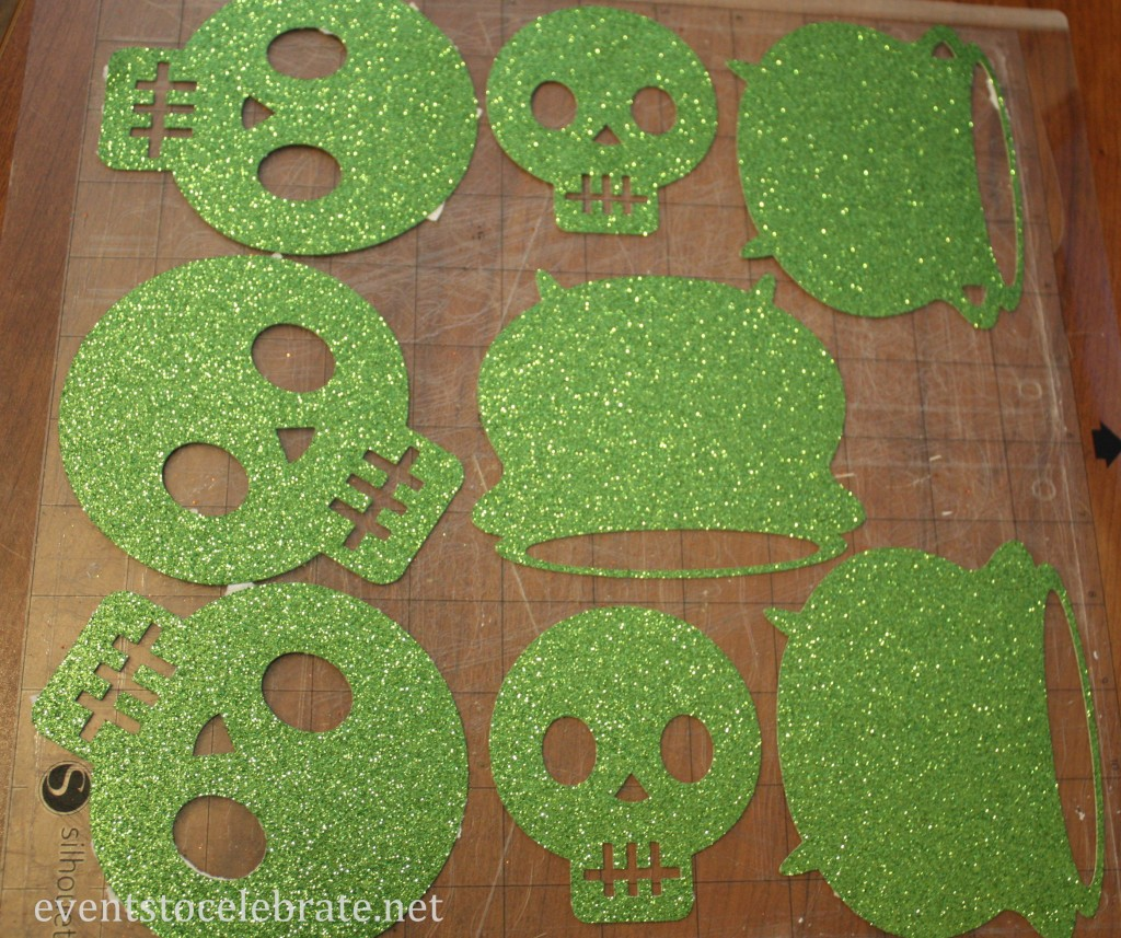 Skulls & Cauldrons for Halloween Garland