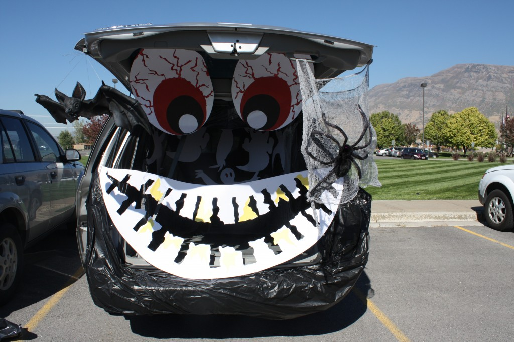 Trunk or Treat Spooky Trunk
