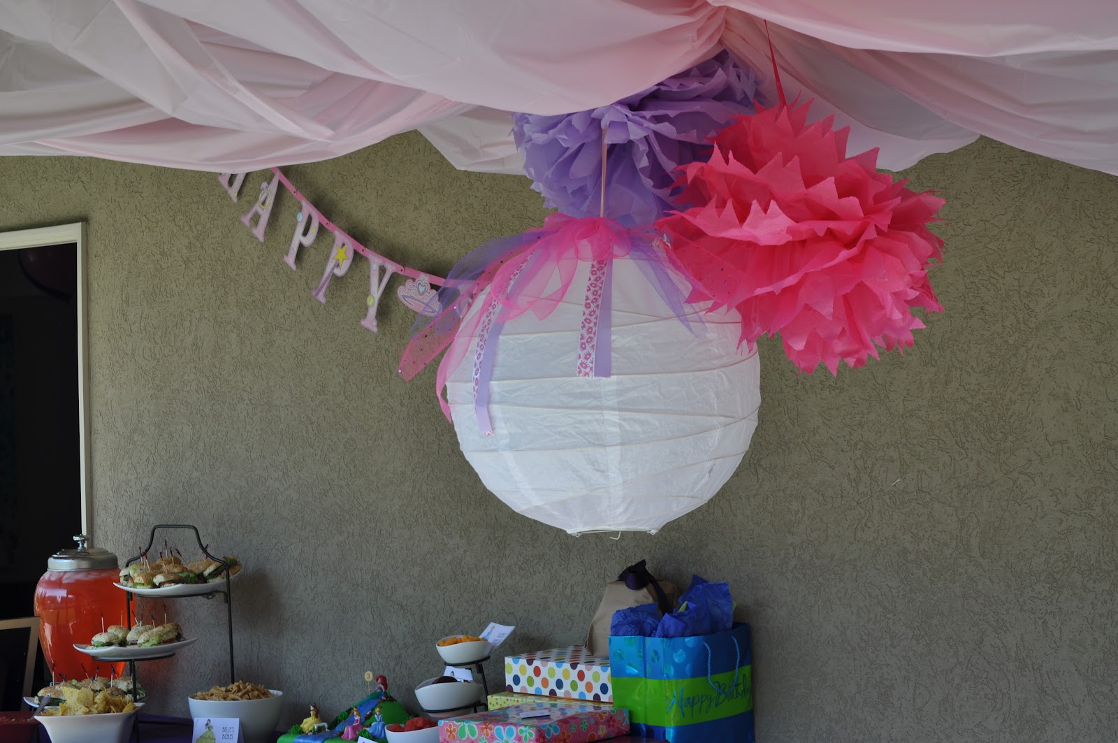 Disney princess birthday party events to celebrate for Princess birthday party crafts