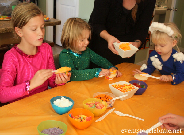 Halloween Party Activity for Kids - Decorate Cupcakes