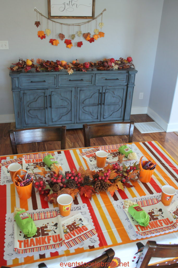 Thanksgiving Activities for Kids - Coloring pages, crafts and placesettings
