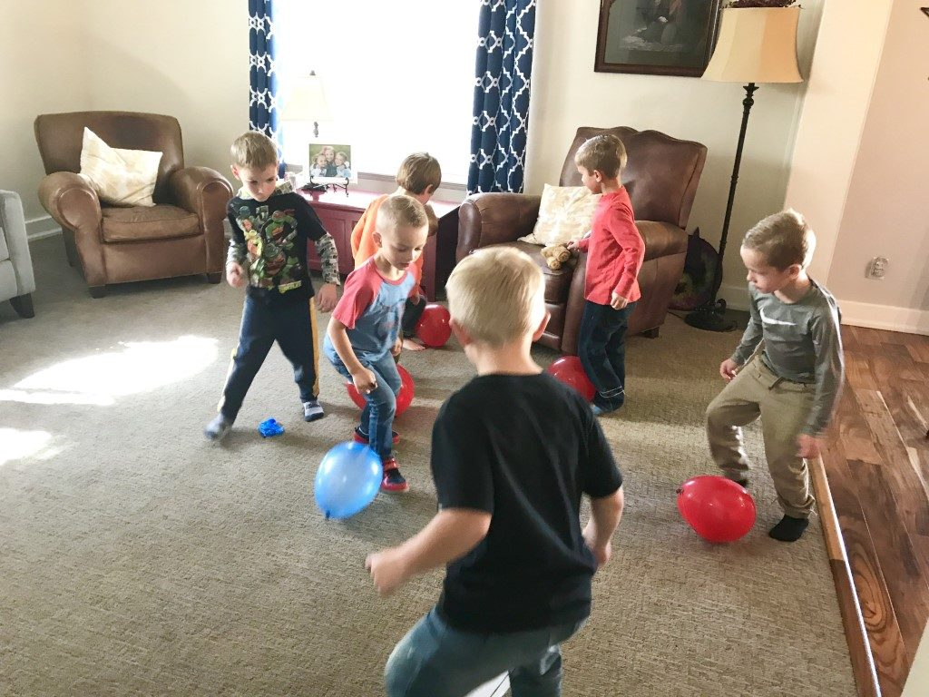 spiderman party balloon popping game