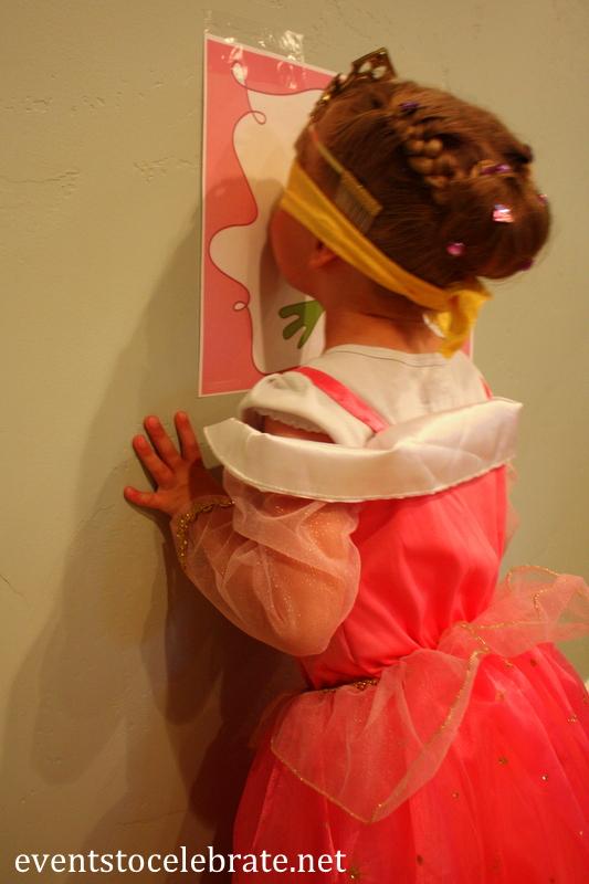 Tatiana Kiss the frog Princess Party game